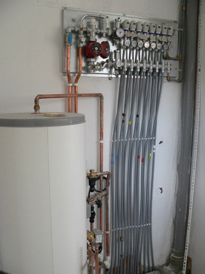 Piping for underfloor heating system